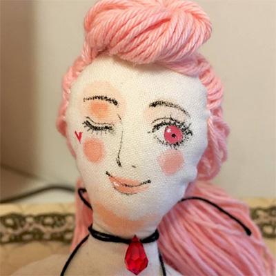 emilyandcotaさんのエロかわ人形(アップ)