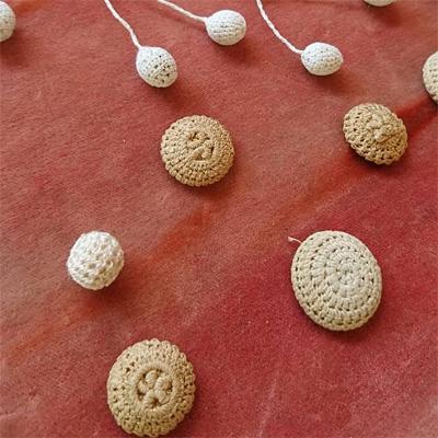 かぎ針編みの小さなボタン