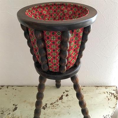 60'sフランス製の三脚付きの裁縫箱