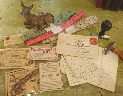 洋書のページ、postcard、ラベル、チケットなど紙モノ