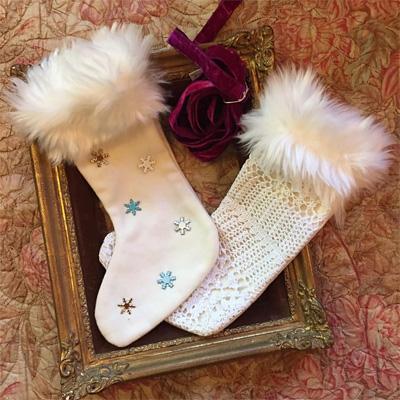 白いふわふわの靴下