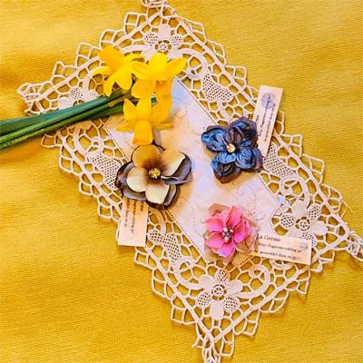 La Germeさんのお花のブローチ