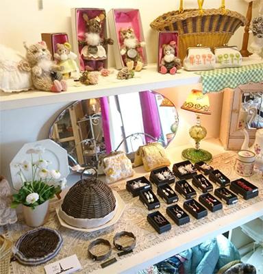 「たんぽぽ色の3月展」Daisy Store店内ディスプレイ