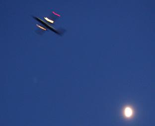 月と飛行機02
