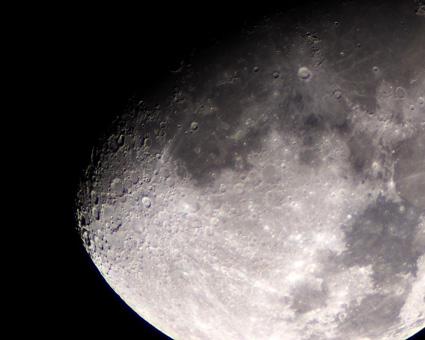 月クレーター2