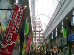 博多座近くの商店街では「山」をつくりはじめてた