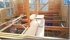 2階から吹抜けの1階保育室
