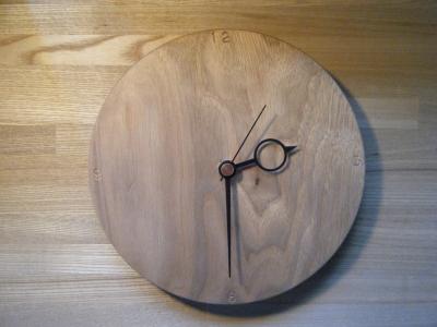 クルミ時計A