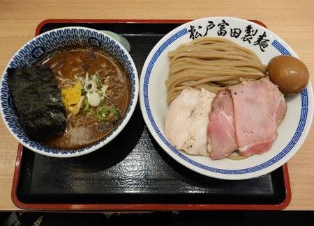 松戸富田製麺 (ららぽーとTOKYO-BAY)の「濃厚特製つけ麺」(220g)・・・
