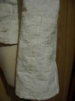 今回のポイントは、袖のすそをフレアに開いたトコです。