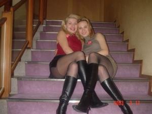 足が綺麗な金髪ロシア美女画像