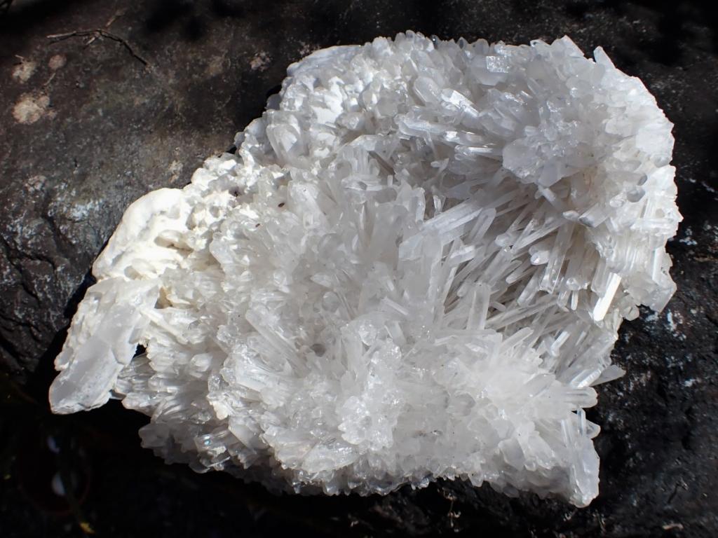 水晶クラスタ