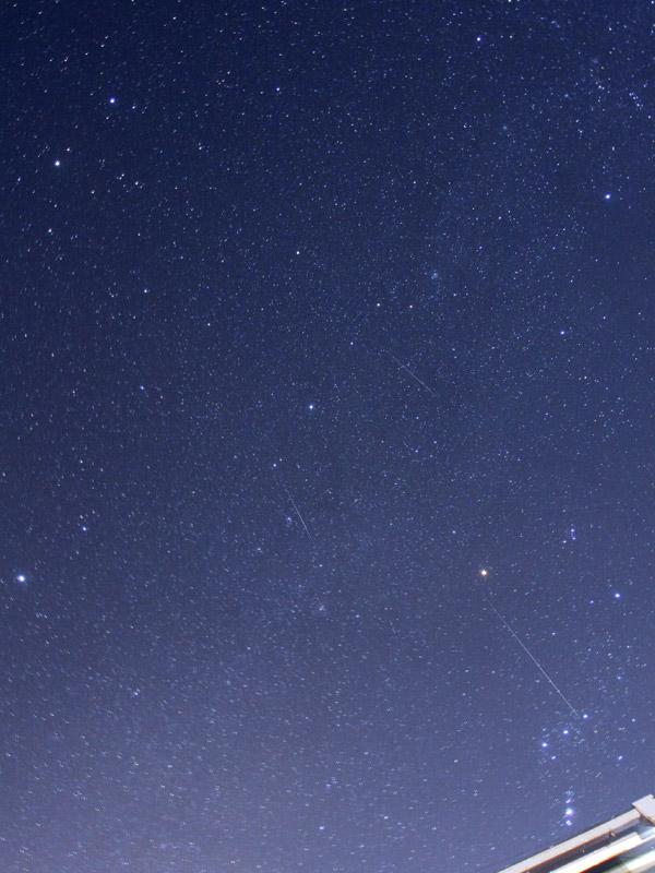 ふたご座流星群3枚合成トリミング
