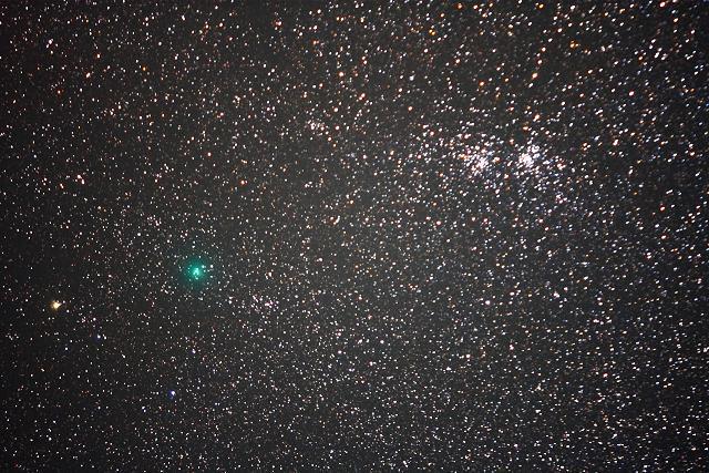 101009二重星団から遠ざかるハートレー彗星(karan)