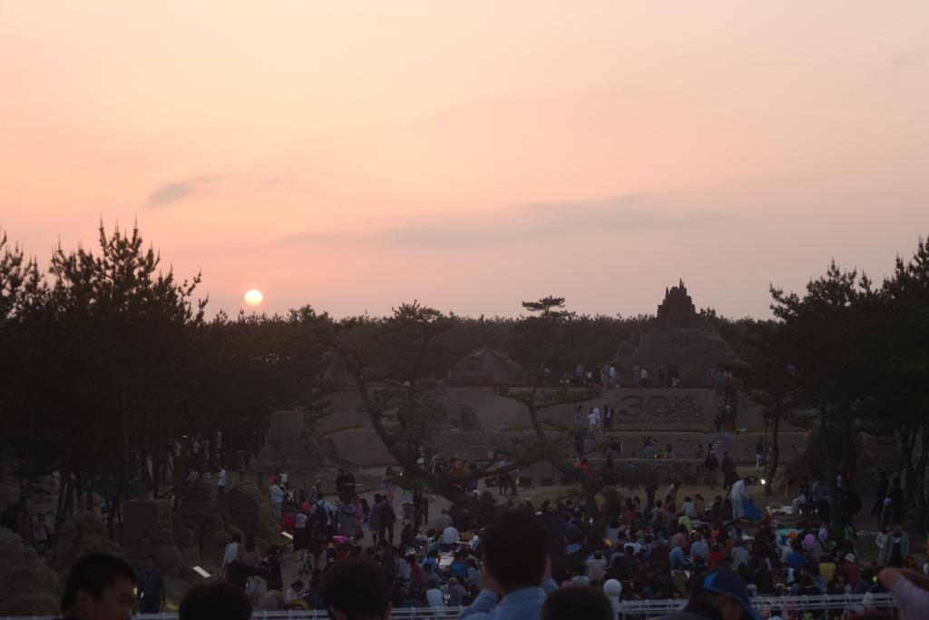 170506日没と砂像