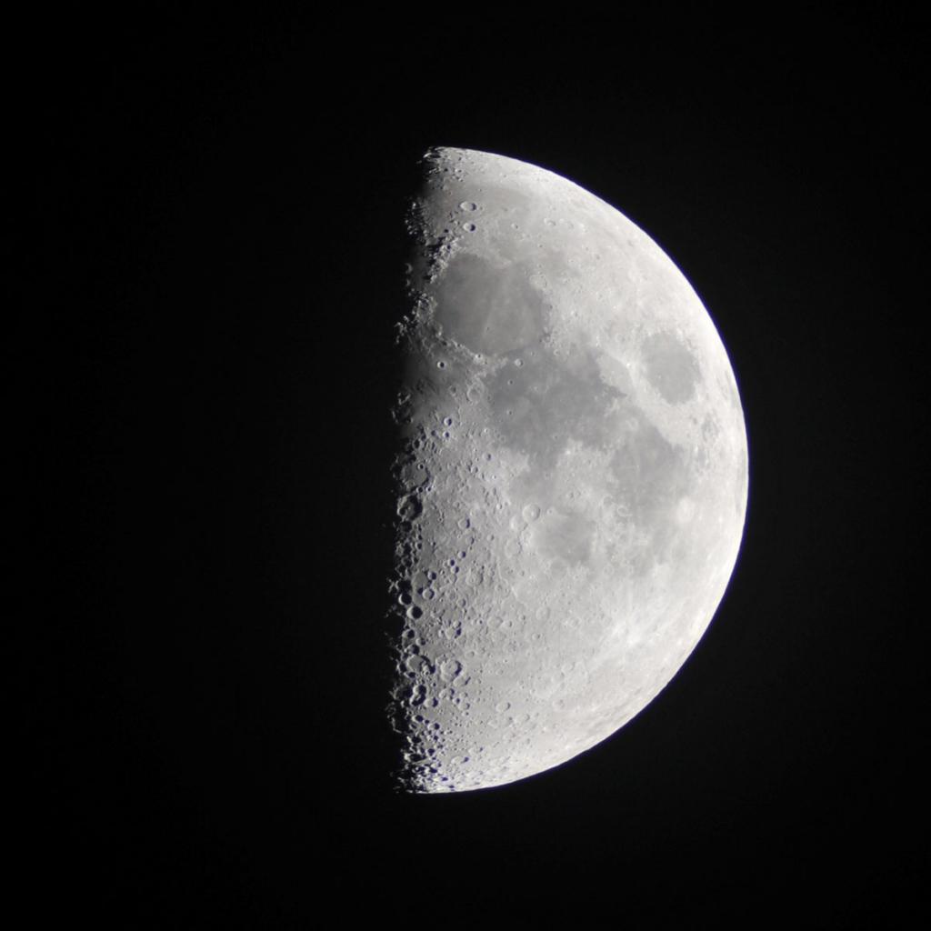 170701上弦の月と月面X_2661