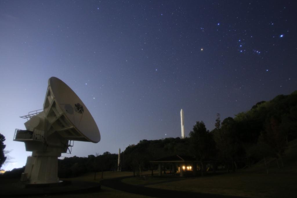 電波望遠鏡とオリオン(karan)