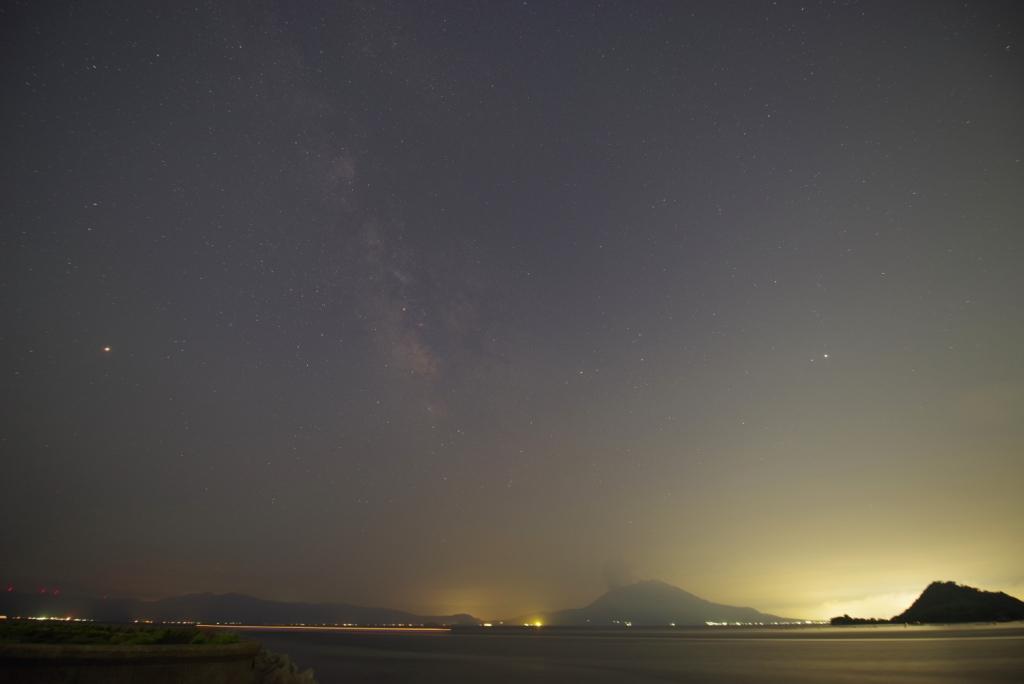 桜島と夏の天の川K1mk�(karan)