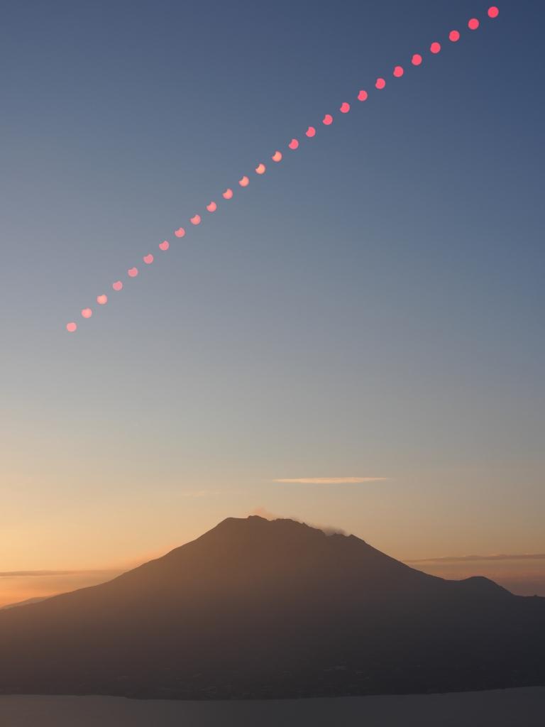 20190106桜島と部分日食08h50m_11h_ISO100_60_F8_52枚_48mm