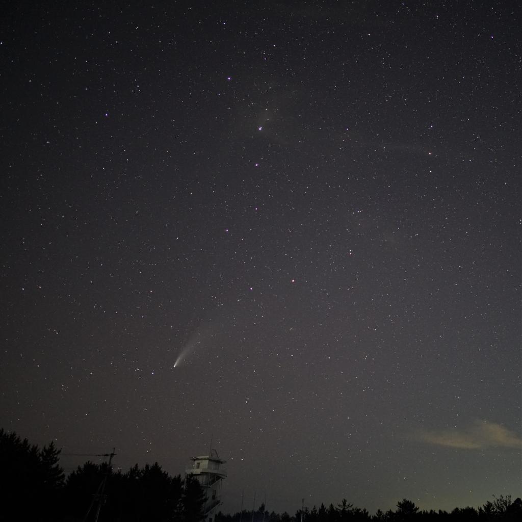 200722ネオワイズ彗星と北斗七星DSC04770(maeda)