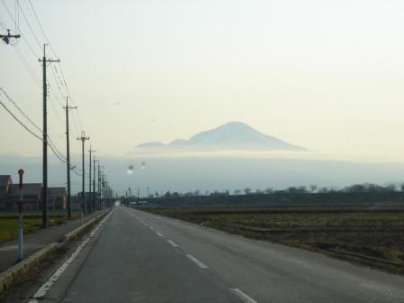 雲海に浮かぶ伊吹山 20070321