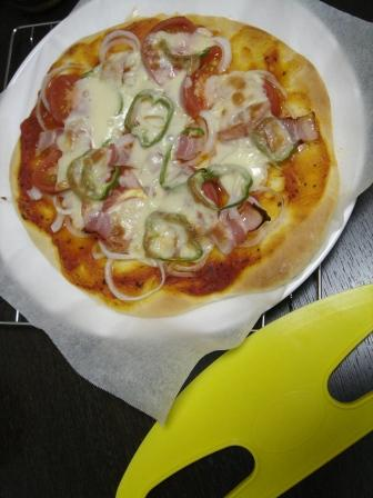 20090606 手作りピザ 出来上がり♪