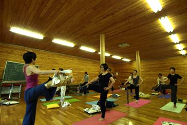 day2_yoga3.jpg