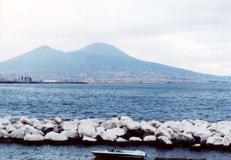 サンタルチア湾 ナポリ