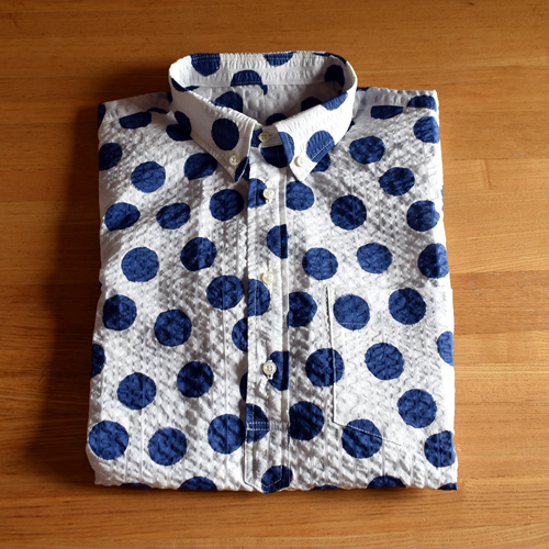 水玉のメンズシャツ