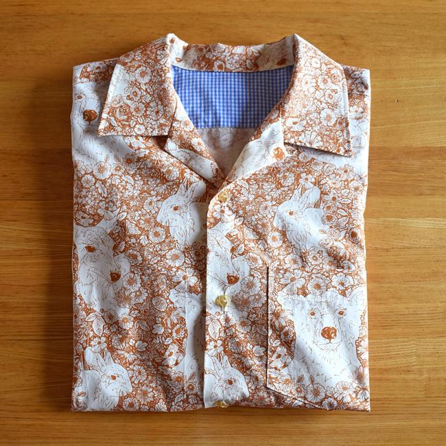 動物柄のメンズシャツ