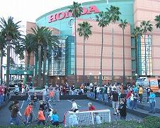 ホンダセンターの前にはファン参加型のイベント広場が!