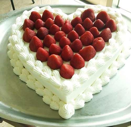 2ハートのウェディングケーキ