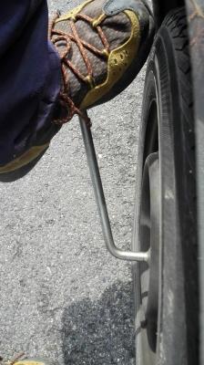 タイヤの外し方