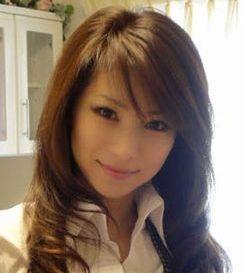 雑誌『美ST』の人気モデルで、美魔女の水谷雅子さん。この美貌で43歳!