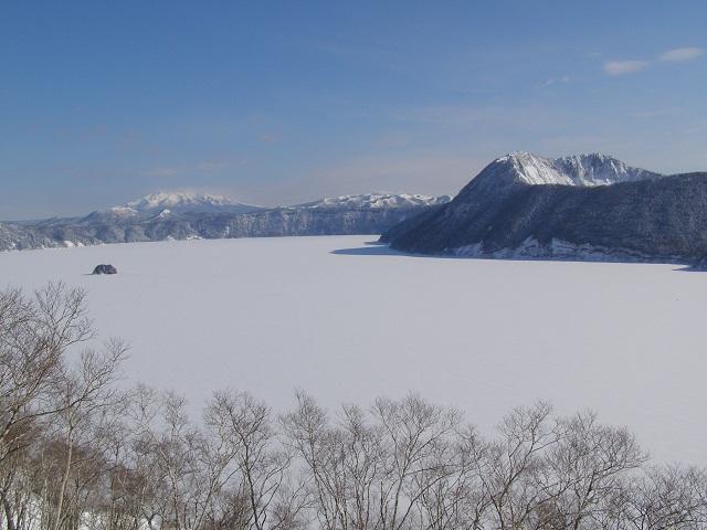 4年ぶりに湖面が前面表決している摩周湖