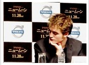 Robert-Pattinson-japan-20091103-press-04s.jpg