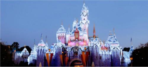 ディズニーの噂・裏技・裏話_カリフォルニアのディズニーランドのクリスマス