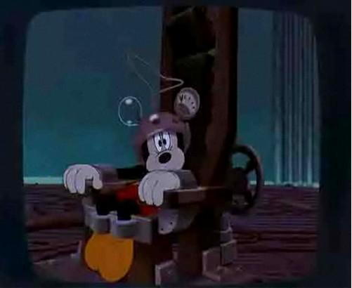 ディズニーの噂・裏技・裏話_ミッキーのアルバイトは危機一髪1