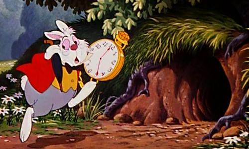 ディズニーの噂・裏技・裏話_ふしぎの国のアリスで白うさぎが衣装チェンジ