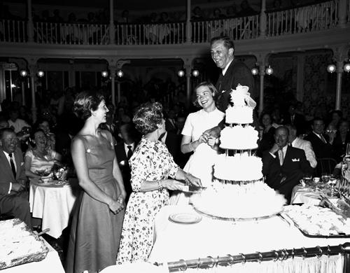 ディズニーの噂・裏技・裏話_ウォルト・ディズニーは結婚30周年をマーク・トウェイン号で祝った