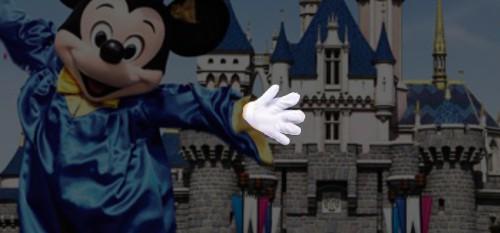 ディズニーの噂・裏技・裏話_香港ディズニーランドのミッキーの指がおかしい