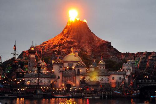 ディズニーの噂・裏技・裏話_プロメテウス火山の名前の由来はギリシャ神話の神