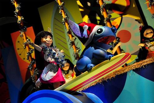 ディズニーの噂・裏技・裏話_香港ディズニーランドのイッツ・ア・スモールワールドではディズニーキャラクターがたんくさん登場する