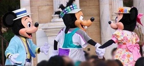 ディズニーの噂・裏技・裏話_ミッキーが女性ダンサーと仲良くハイタッチした結果