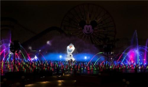ディズニーの噂・裏技・裏話_アメリカのディズニーランドでは「アナと雪の女王」の世界観が楽しめる