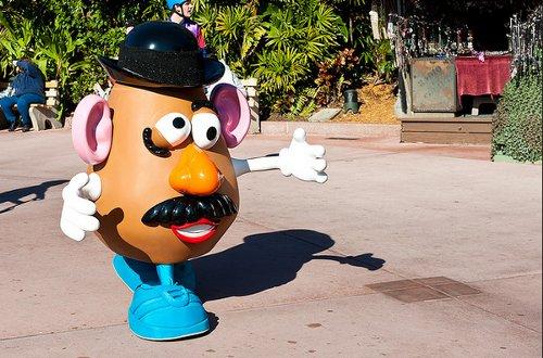 ディズニーの噂・裏技・裏話_アメリカのディズニーパークではMr.ポテトヘッドが動く