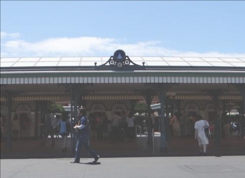 ディズニーの噂・裏技・裏話_ディズニーランドに入口が1つしかない理由とは