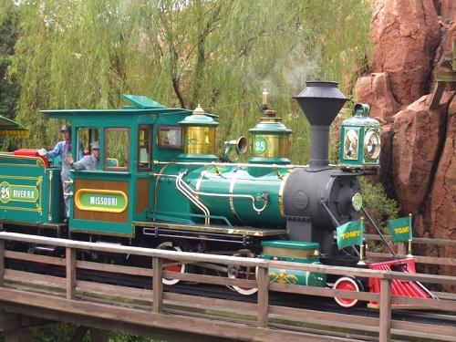 ディズニーの噂・裏技・裏話_ウエスタンリバー鉄道は本物の蒸気機関車なのか