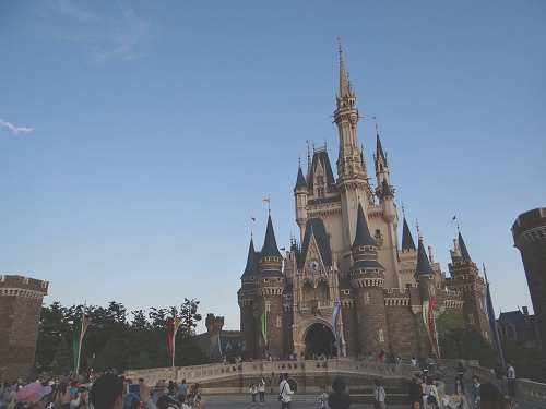 ディズニーの噂・裏技・裏話_シンデレラ城で撮影されたミッキーとミニーのラブラブ写真が話題に