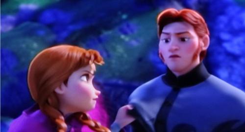 ディズニーの噂・裏技・裏話_「アナと雪の女王」で殴られた時のハンス王子の顔がすごいと話題に